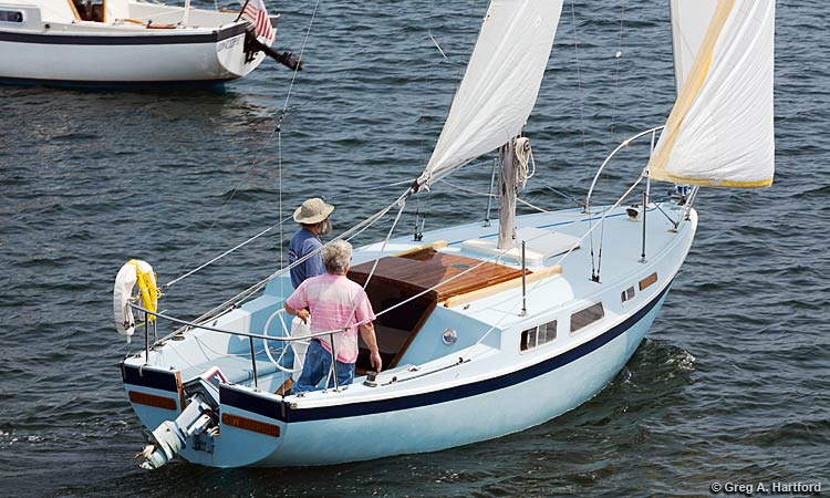 The Cal 25 foot Sceptre Sailboat Rental at Mansell Boats Rental Company