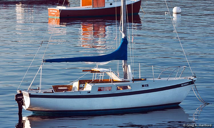 The Cal 25 foot WindDrift Sailboat Rental at Mansell Boats Rental Company